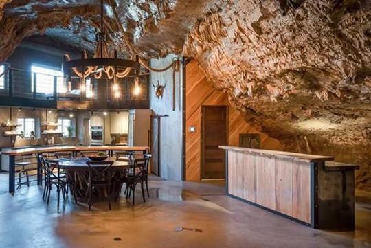 Choáng váng trước căn hộ nằm giữa lòng hang động - Ảnh 11.