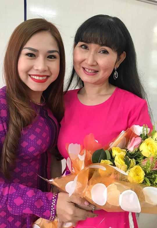 Nghệ sĩ Bình Tinh dốc sức đưa sân khấu vào trường học - Ảnh 2.