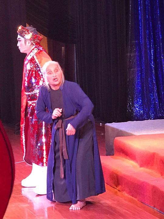 Dì ghẻ Hồng Sáp tái ngộ Tấm Cám dù đã 81 tuổi - Ảnh 6.