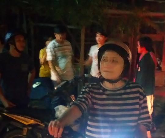 Xe con tông không ngừng nghỉ 2 xe máy, 3 người nguy kịch - Ảnh 4.