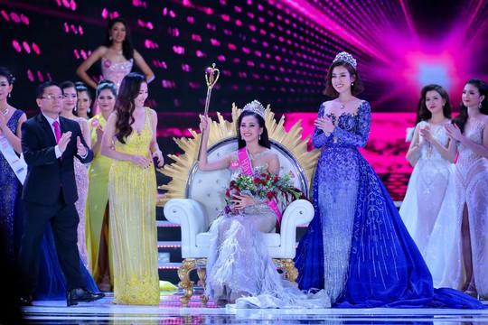 Cận cảnh nhan sắc Tân Hoa hậu Việt Nam 2018 Trần Tiểu Vy - ảnh 2