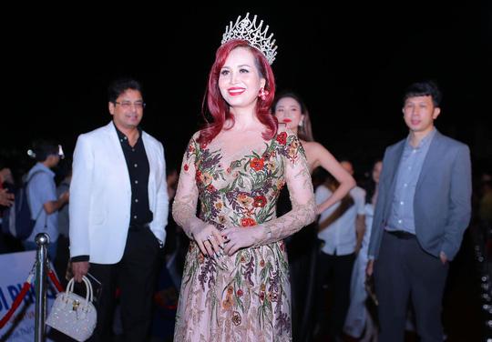 Thảm đỏ hoa hậu Việt Nam 2018: Dàn người đẹp khoe sắc - Ảnh 9.