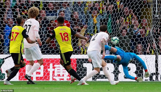 Smalling ghi bàn dị, Man United quật ngã hiện tượng Watford - Ảnh 6.