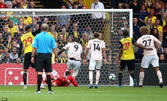 Smalling ghi bàn dị, Man United quật ngã hiện tượng Watford - Ảnh 4.