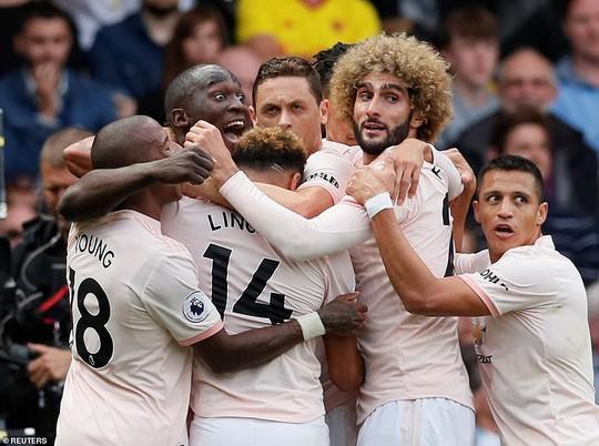 Smalling ghi bàn dị, Man United quật ngã hiện tượng Watford - Ảnh 3.