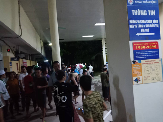 Cháy lớn gần Bệnh viện Nhi Trung ương, khẩn cấp sơ tán bệnh nhân - Ảnh 11.