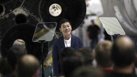 Tỉ phú Nhật sẽ là du khách đầu tiên trên thế giới thăm Mặt Trăng - Ảnh 1.