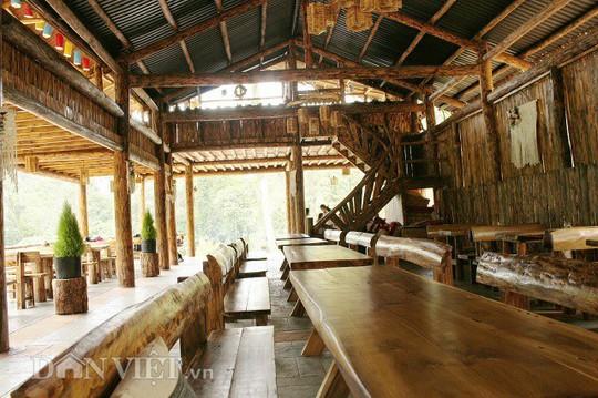 Độc đáo nhà gỗ lớn giữa rừng, không dùng đinh sắt - Ảnh 7.