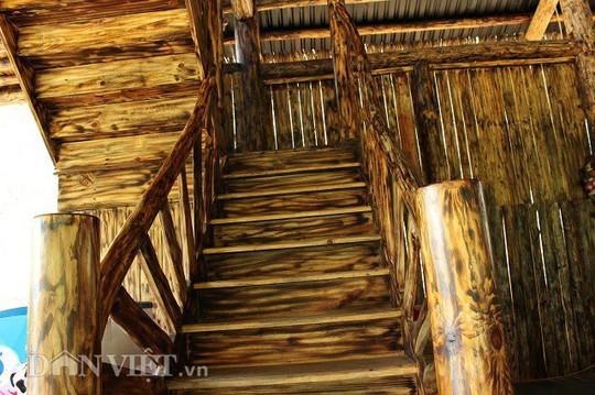 Độc đáo nhà gỗ lớn giữa rừng, không dùng đinh sắt - Ảnh 10.