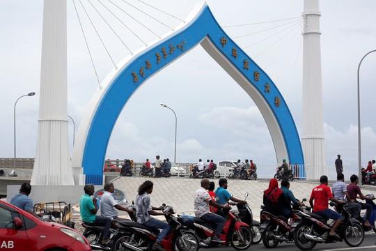 Maldives gặp rắc rối vì nợ Trung Quốc - Ảnh 1.