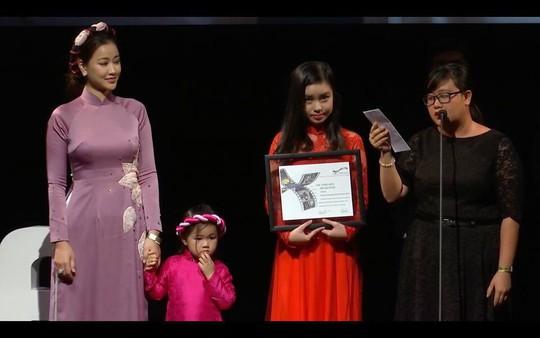 Maya tỏa sáng ở Liên hoan phim Toronto - Ảnh 2.
