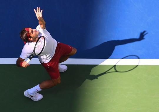 Clip: Federer, Sharapova đánh bại đàn em, vào vòng 4 US Open - Ảnh 5.