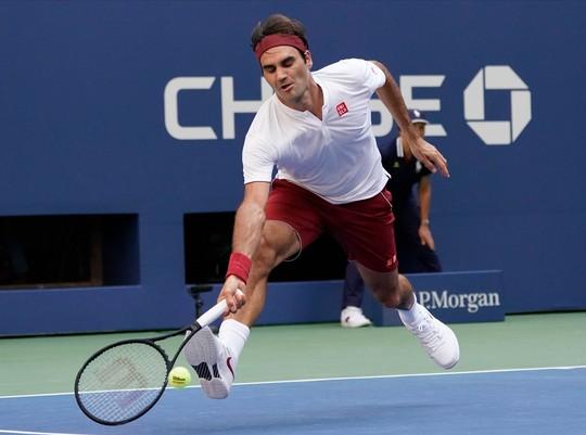 Clip: Federer, Sharapova đánh bại đàn em, vào vòng 4 US Open - Ảnh 4.