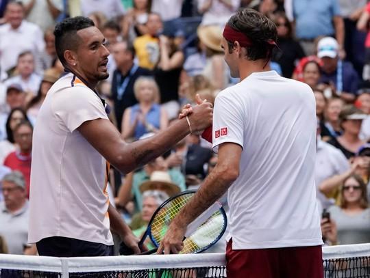 Clip: Federer, Sharapova đánh bại đàn em, vào vòng 4 US Open - Ảnh 1.