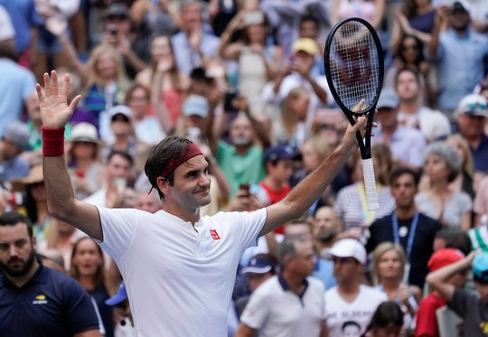 Clip: Federer, Sharapova đánh bại đàn em, vào vòng 4 US Open - Ảnh 6.