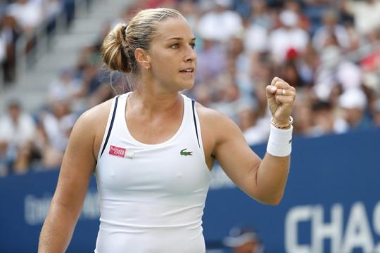 Clip: Federer, Sharapova đánh bại đàn em, vào vòng 4 US Open - Ảnh 16.