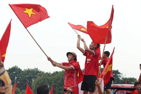Cuồng nhiệt tôn vinh các tuyển thủ Việt Nam thi đấu hết mình tại ASIAD 2018 - Ảnh 10.