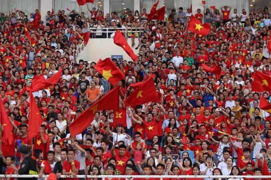 Cuồng nhiệt tôn vinh các tuyển thủ Việt Nam thi đấu hết mình tại ASIAD 2018 - Ảnh 3.