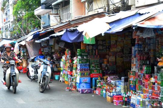TP HCM: Chợ truyền thống ế ẩm trong 2 ngày nghỉ lễ - Ảnh 1.