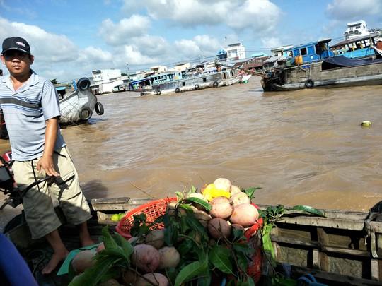 Lễ 2-9, chợ nổi Cái Răng, Làng Du lịch Mỹ Khánh chật kín người - Ảnh 20.