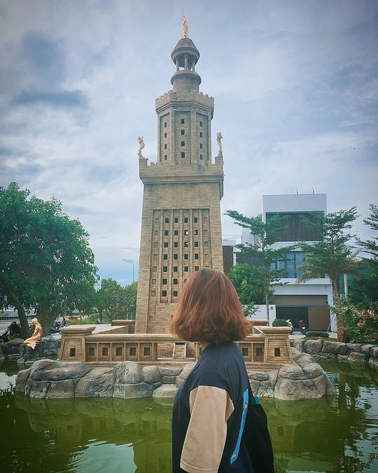 Công viên Kỳ quan thế giới ở Đà Nẵng có gì khiến giới trẻ sốt rần rần? - Ảnh 12.