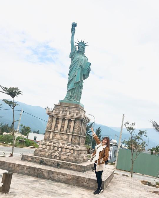 Công viên Kỳ quan thế giới ở Đà Nẵng có gì khiến giới trẻ sốt rần rần? - Ảnh 14.