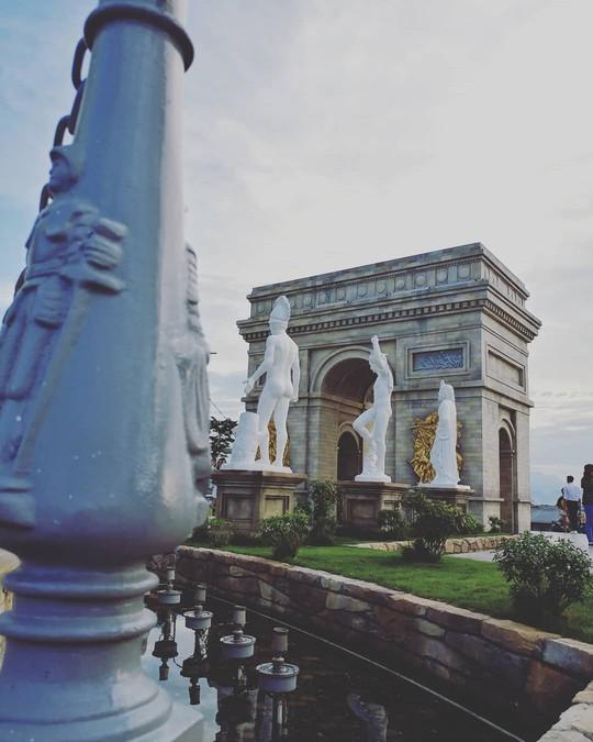 Công viên Kỳ quan thế giới ở Đà Nẵng có gì khiến giới trẻ sốt rần rần? - Ảnh 8.