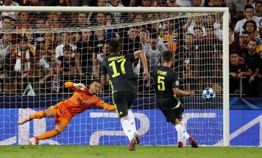 Ronaldo lãnh thẻ đỏ, Juventus đại thắng ở Tây Ban Nha - Ảnh 3.