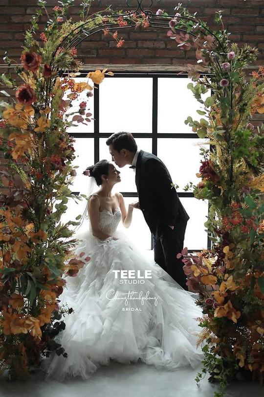 Ngắm ảnh cưới của Trường Giang - Nhã Phương - Ảnh 1.