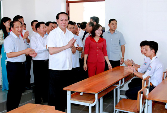 Những hình ảnh đẹp, gần gũi của Chủ tịch nước Trần Đại Quang với mái trường xưa - Ảnh 1.
