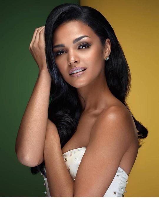 Cận cảnh vẻ đẹp tân Hoa hậu Hoàn vũ Puerto Rico - Ảnh 10.