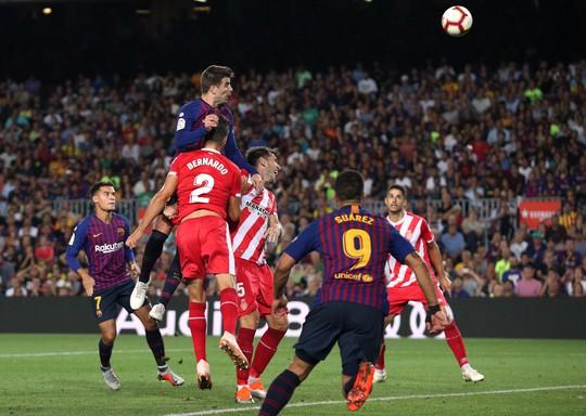 Trọng tài bẻ còi vì VAR, Barcelona suýt trắng tay trước Girona - ảnh 5