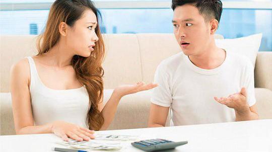 Tuyệt chiêu để chồng tự giác đưa tiền cho vợ - Ảnh 2.