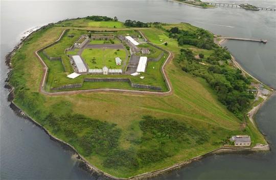 Nhà tù địa ngục hút khách giữa đảo thiên đường - Ảnh 12.