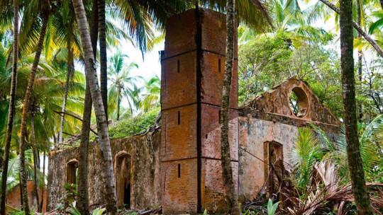 Nhà tù địa ngục hút khách giữa đảo thiên đường - Ảnh 13.