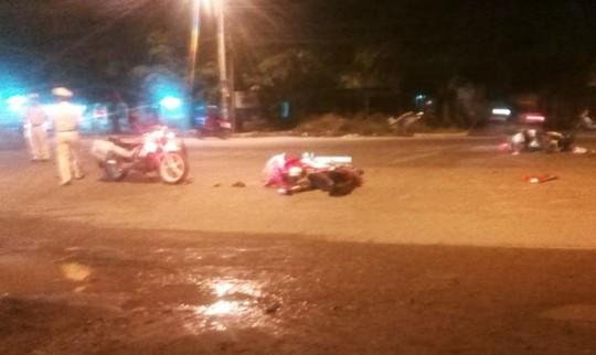 Hai xe máy lao thẳng vào nhau, 2 thanh niên tử vong tại chỗ - Ảnh 1.