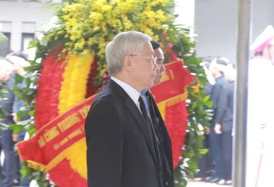Lãnh đạo Đảng, Nhà nước viếng Chủ tịch nước Trần Đại Quang - Ảnh 1.