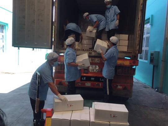 Lần đầu tiên xuất khẩu trứng vịt muối sang Úc