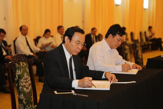 Lễ viếng Chủ tịch nước Trần Đại Quang tại TP HCM - Ảnh 10.