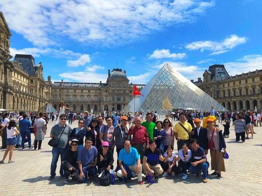 Mở bán tour Tết dương lịch và Asian Cup