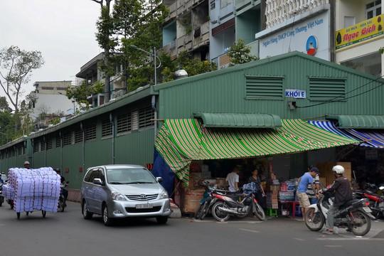 Tiến độ sửa chữa hai chợ An Đông và Bình Tây đều chậm