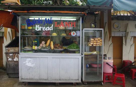 Báo Mỹ hết lời ca ngợi bánh mì Việt Nam - Ảnh 5.