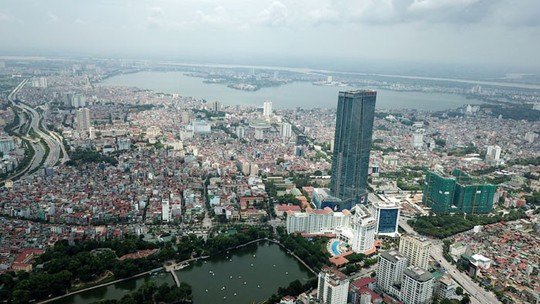 Xây nhà cao tầng trong nội đô: Cần quản lý chặt các tiêu chí xây dựng - Ảnh 1.