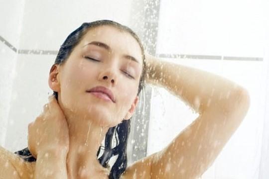 Thời điểm không nên tắm để tránh đột quỵ - Ảnh 1.