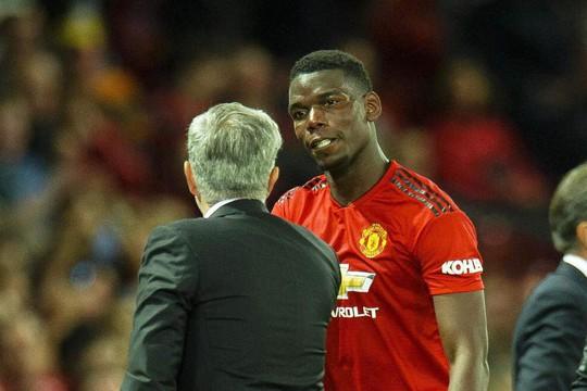 """HLV Mourinho """"nắn gân"""" Pogba - Ảnh 1."""