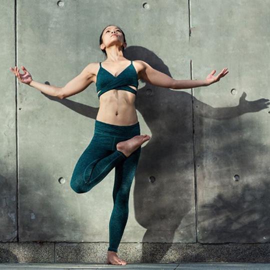 Muốn tập yoga ngay khi biết những tác dụng tuyệt vời này - Ảnh 1.