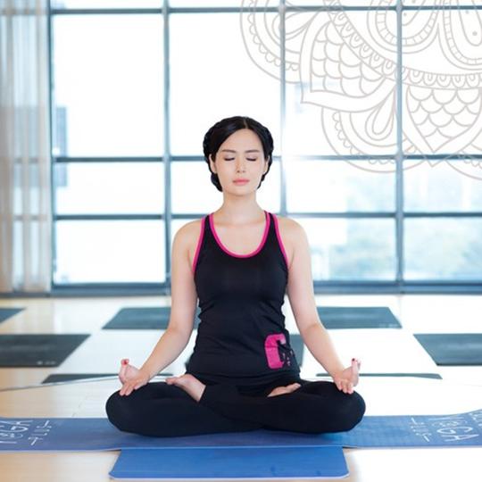 Muốn tập yoga ngay khi biết những tác dụng tuyệt vời này - Ảnh 2.
