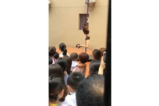 Trung Quốc: Trường mẫu giáo mừng khai giảng bằng... múa cột - Ảnh 2.