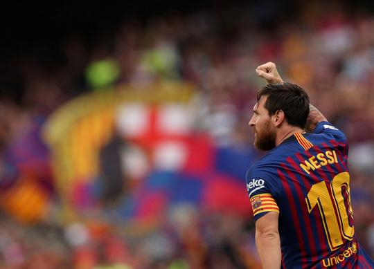 Messi, Suarez tranh đá phạt đền, Barcelona xé nát lưới Huesca - Ảnh 3.