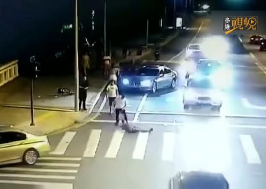 Vụ chém người do tự vệ ở Trung Quốc: Người đi xe đạp thoát tội - Ảnh 1.